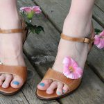 Fun with a Glue Gun: Flower-Adorned Shoes DIY