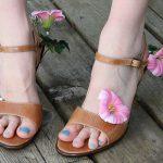 Fun with a Glue Gun: Flower-Adorned Shoes DIY