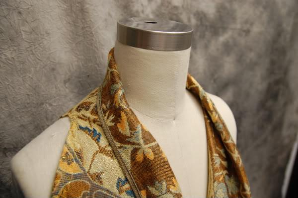 diy-scarf-into-vest-close