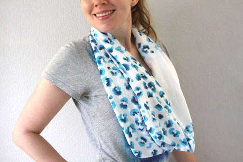 DIY Leopard T-Shirt No-Sew Scarf Made From a T-Shirt - Chic Creative ...