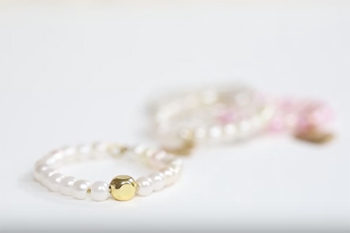 DIY Pretty Pearl Ring tutorial by Chic Steals