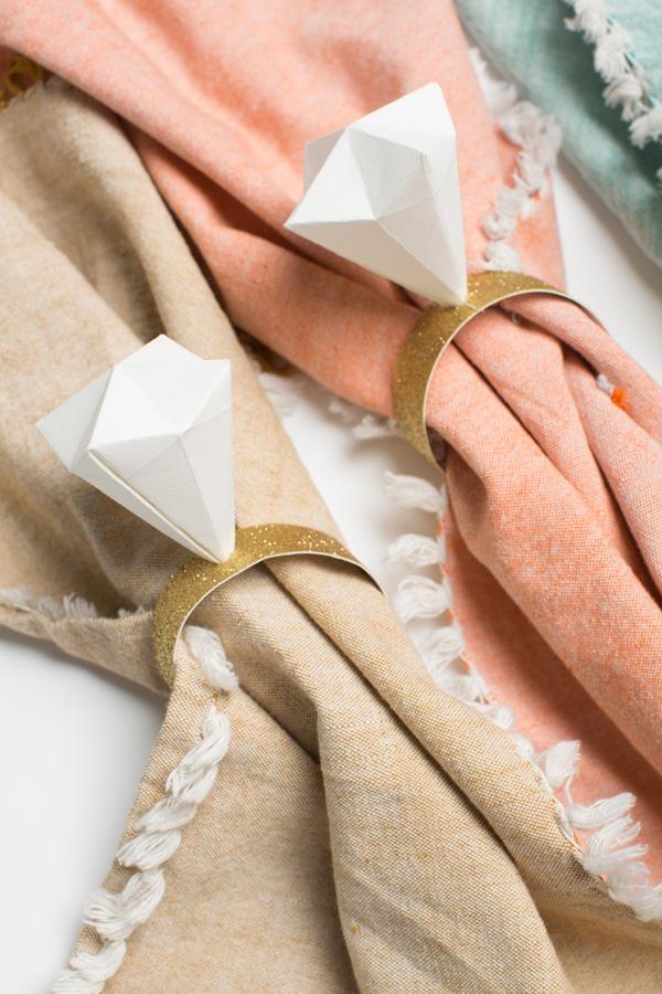 diamond-ring-napkin-ring-tutorial