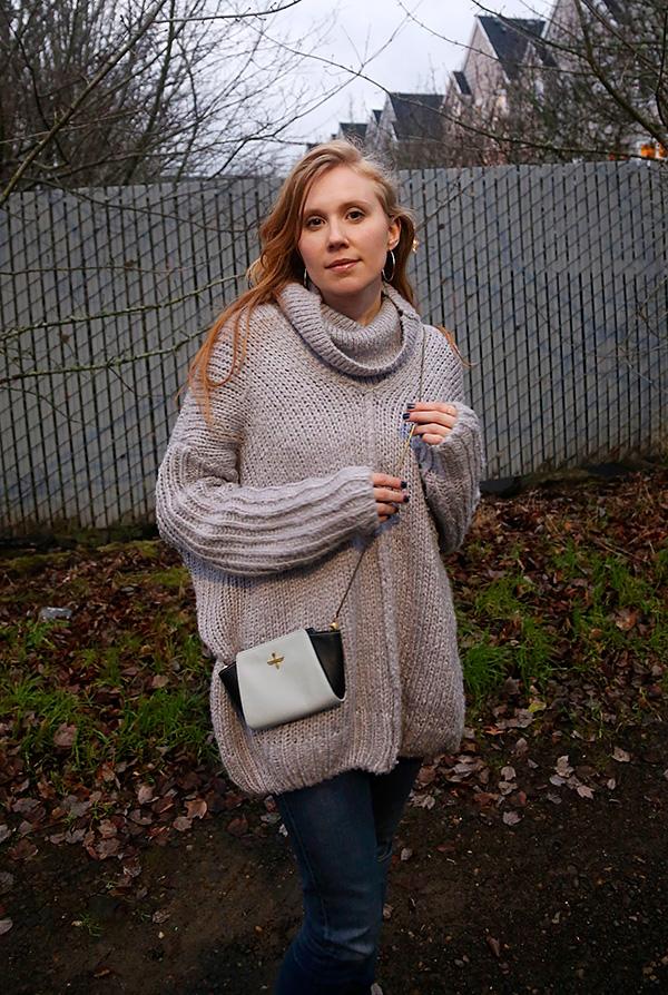 12.21.14-lookbookstore-sweater-cu2