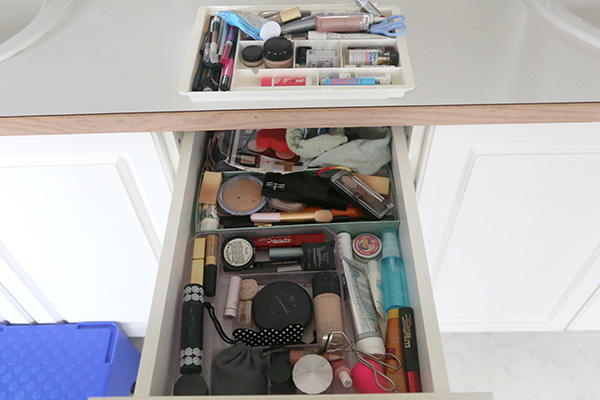 organizeddrawer_before