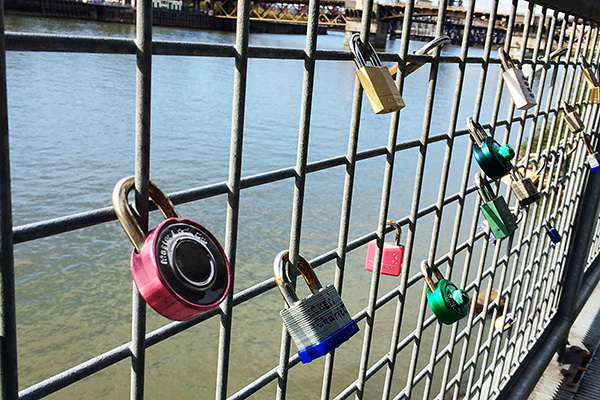 links-of-the-week-portland-love-padlock