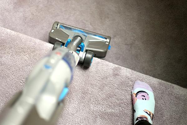 Hoover 2-in-1 cordless vacuum adjustability
